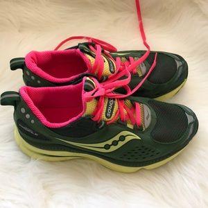 Women's saucony Sneakers